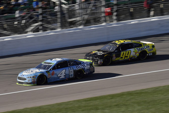 Kevin Harvick, Stewart-Haas Racing, Ford Fusion Busch Light and Kyle Weatherman, StarCom Racing, Chevrolet Camaro StarCom Fiber