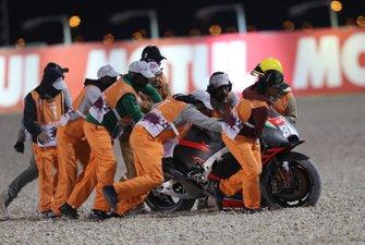 La caduta di Bradley Smith, Aprilia Racing Team Gresini