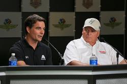 Jeff Gordon, Hendrick Motorsports Chevrolet y el dueño del equipo Rick Hendrick