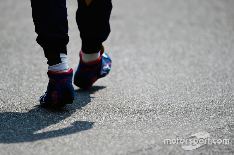 Carlos Sainz Jr., Scuderia Toro Rosso - yarış botları
