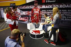 Sebastian Vettel, Ferrari, Shell etkinliğinde