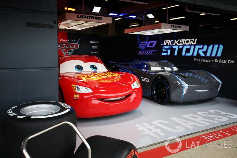 Lightning McQueen and Jackson Storm
