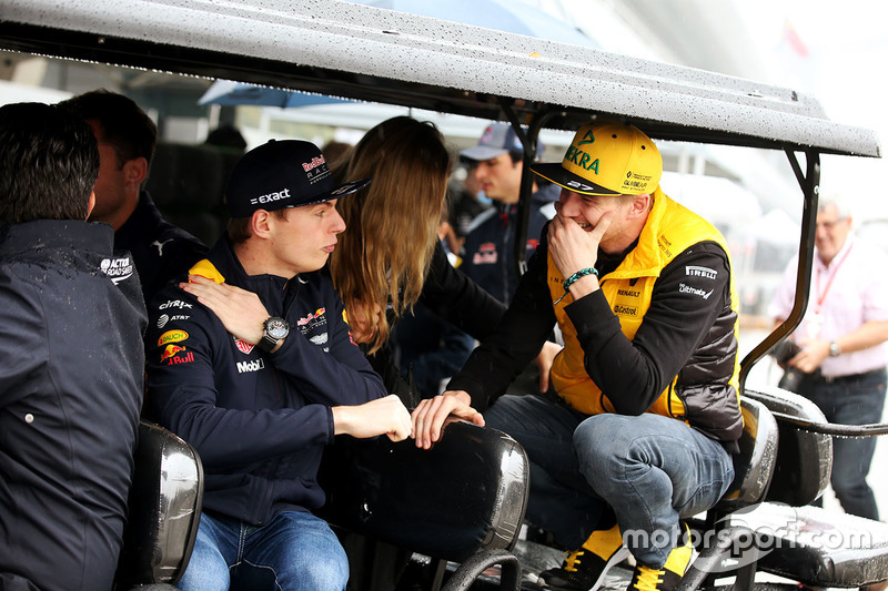 Max Verstappen, Red Bull, talks to Nico Hulkenberg, Renault Sport F1 Team