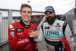 James Nash, Craft Bamboo Racing, SEAT León SEQ and Stefano Comini, Leopard Racing, Volkswagen Golf GTI TCR