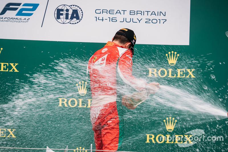 Podio: ganador de la carrera Charles Leclerc, PREMA Powerteam