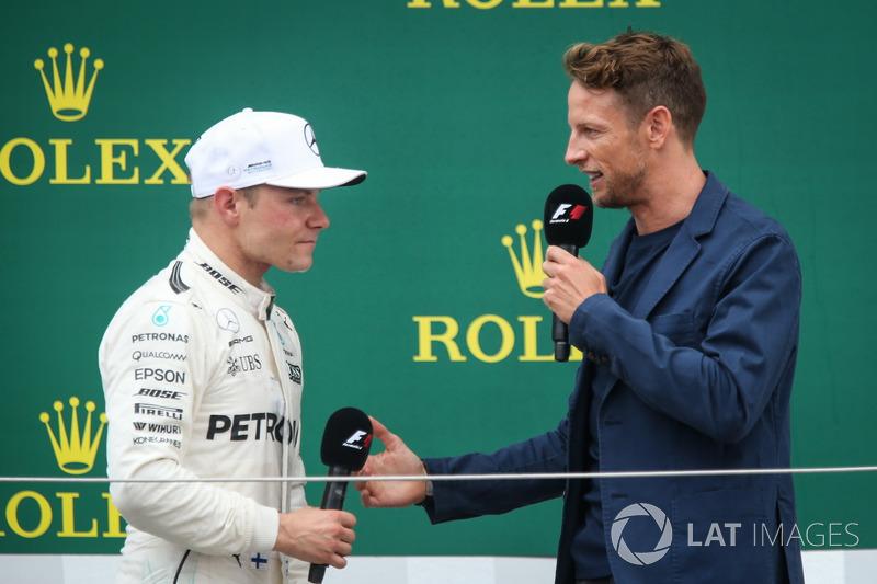 Valtteri Bottas, Mercedes AMG F1 y Jenson Button, McLaren en el podio