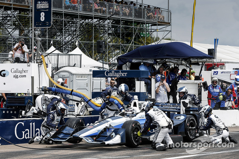 Max Chilton, Chip Ganassi Racing Honda pit stop