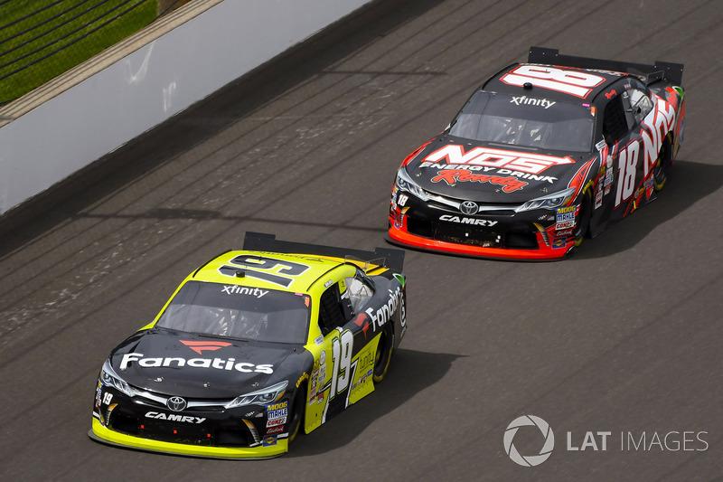 Matt Tifft, Joe Gibbs Racing Toyota y Kyle Busch, Joe Gibbs Racing Toyota