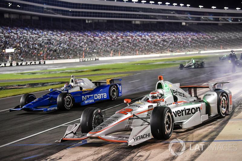 Boxenstopps: Will Power, Team Penske Chevrolet, Scott Dixon, Chip Ganassi Racing Honda