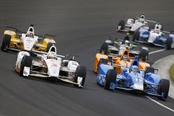 Helio Castroneves, Team Penske, Chevrolet; Tony Kanaan, Chip Ganassi Racing, Honda
