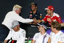 (L to R): Charlie Whiting, FIA Delegate shakes the hand of Sebastian Vettel, Ferrari in the FIA Press Conference
