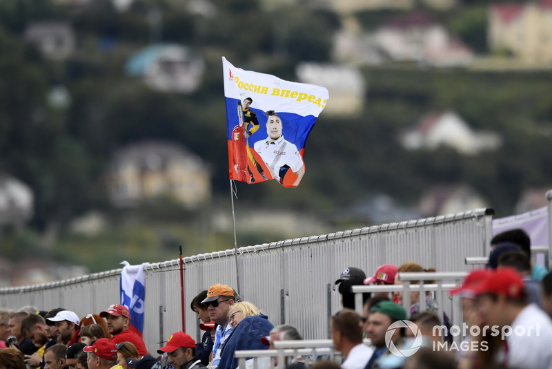 Sergey Sirotkin, Williams Racing fans and flag