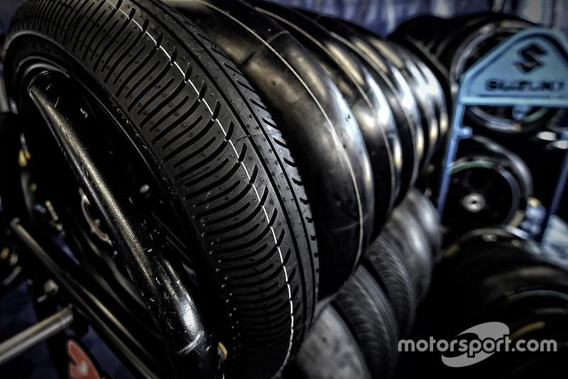 Дощові шини Michelin