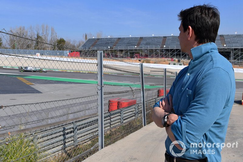 Toto Wolff, Mercedes AMG F1 Director of Motorsport watches Lewis Hamilton, Mercedes-AMG F1 W10