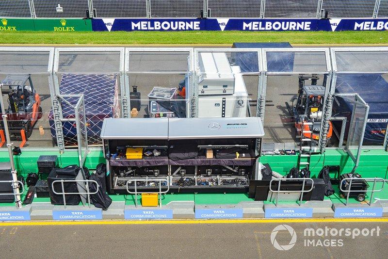 Muretto box Mercedes AMG F1
