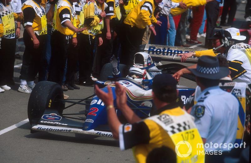 Переможець гонки Найджел Менселл, Williams FW16B Renault