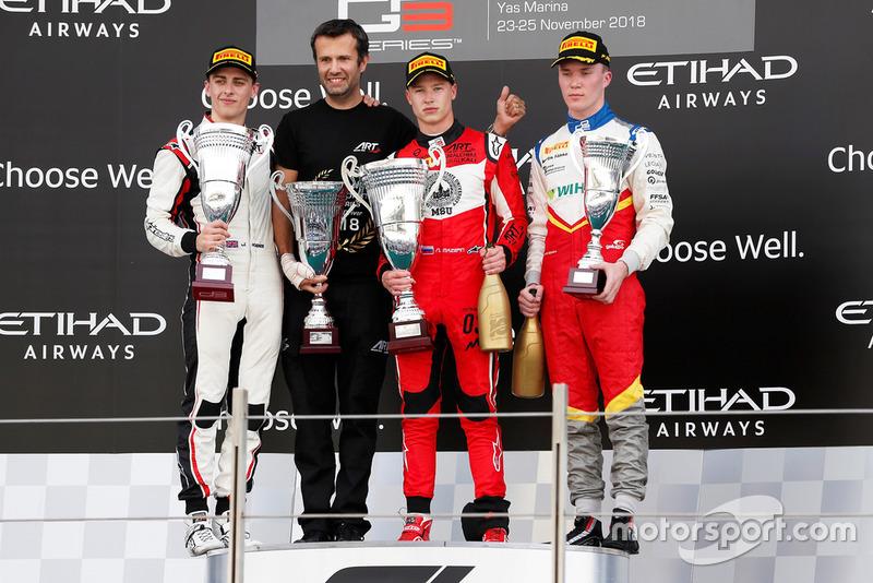 Jake Hughes, ART Grand Prix, Nikita Mazepin, ART Grand Prix, et Simo Laaksonen, Campos Racing, sur le podium