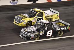 John Hunter Nemechek, NEMCO Motorsports, Chevrolet; Grant Enfinger, ThorSport Racing, Toyota