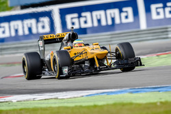 Oliver Rowland, the Renault E20 F1