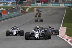 Lance Stroll, Williams FW40, Pascal Wehrlein, Sauber C36, Felipe Massa, Williams FW40