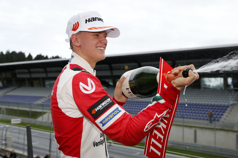 Rookie Podium: Mick Schumacher, Prema Powerteam, Dallara F317 - Mercedes-Benz