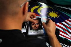 Les cartes d'autographes de Valtteri Bottas, Mercedes AMG F1