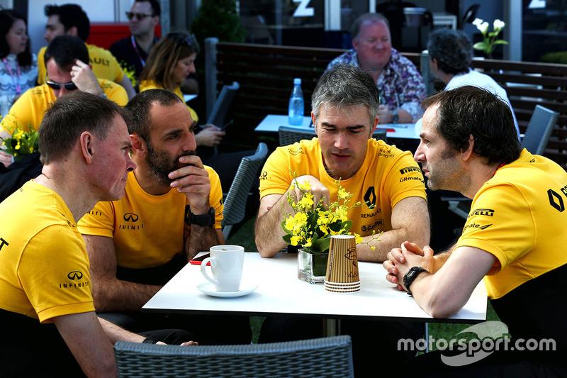 Alan Permane, Cyril Abiteboul, Nick Chester, Ciaron Pilbeam, Renault Sport F1 Team