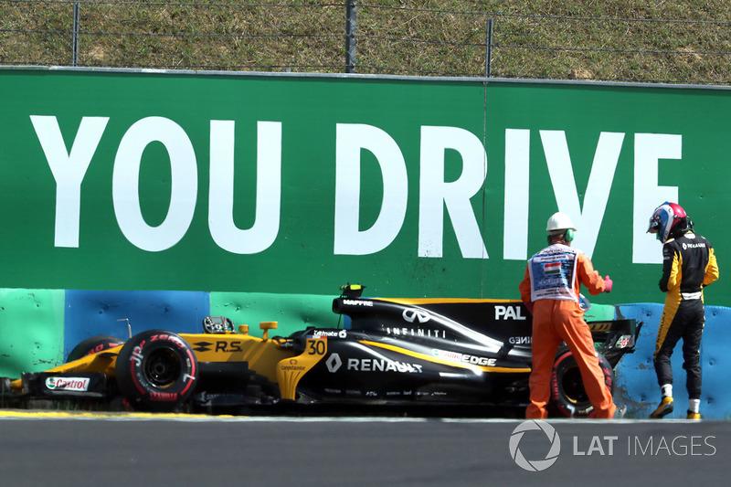 Bergung des Unfallautos von Jolyon Palmer, Renault Sport F1 Team RS17