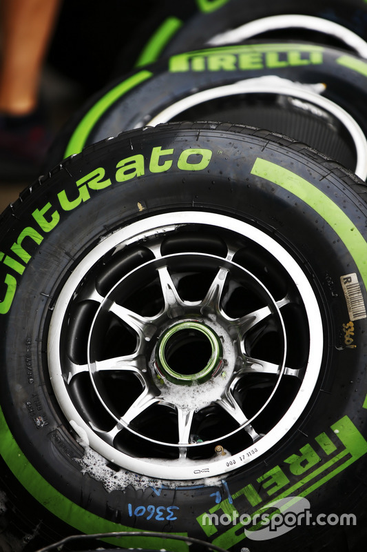 Intermediate tyres