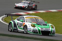 #33 D'station Porsche:藤井誠暢, スヴェン・ミューラー