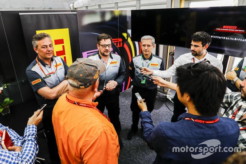 El equipo de Pirelli F1 habla con la prensa