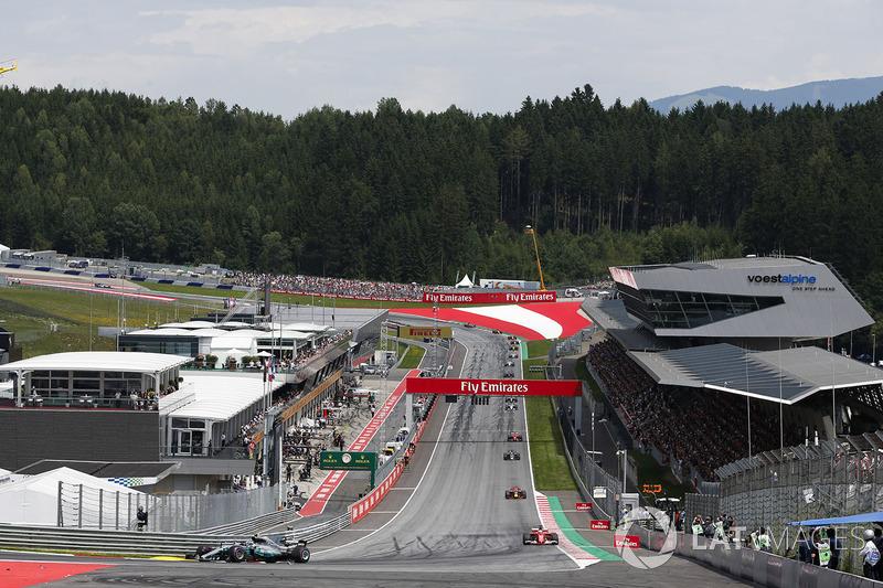 Валттері Боттас, Mercedes AMG F1 W08, Себастьян Феттель, Ferrari SF70H, Даніель Ріккардо, Red Bull R