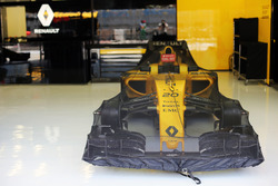 The Renault Sport F1 Team RS16 of Kevin Magnussen, Renault Sport F1 Team RS16 in parc ferme