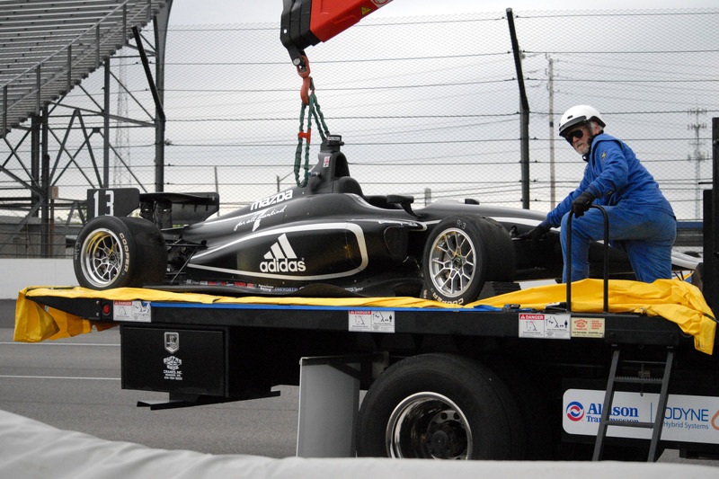 Unfall: Zachary Claman DeMelo, Juncos Racing