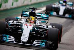 Lewis Hamilton, Mercedes AMG F1 W08, Valtteri Bottas, Mercedes AMG F1 W08, fuera de pts