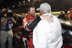 Dale Earnhardt Jr., Hendrick Motorsports Chevrolet, mit Rick Hendrick