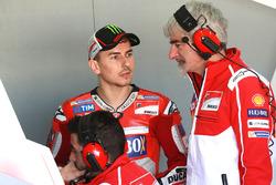 Jorge Lorenzo, Ducati Team, mit Gigi Dall'Igna, Ducati Team General Manager