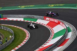 Sergey Sirotkin, Williams FW41 et Pierre Gasly, Scuderia Toro Rosso STR13