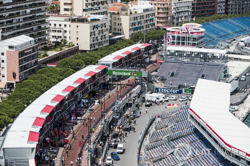 Panoramica della pista e della pit lane