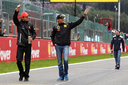 Jenson Button, McLaren and Vitaly Petrov, Lotus Renault GP on the drivers parade