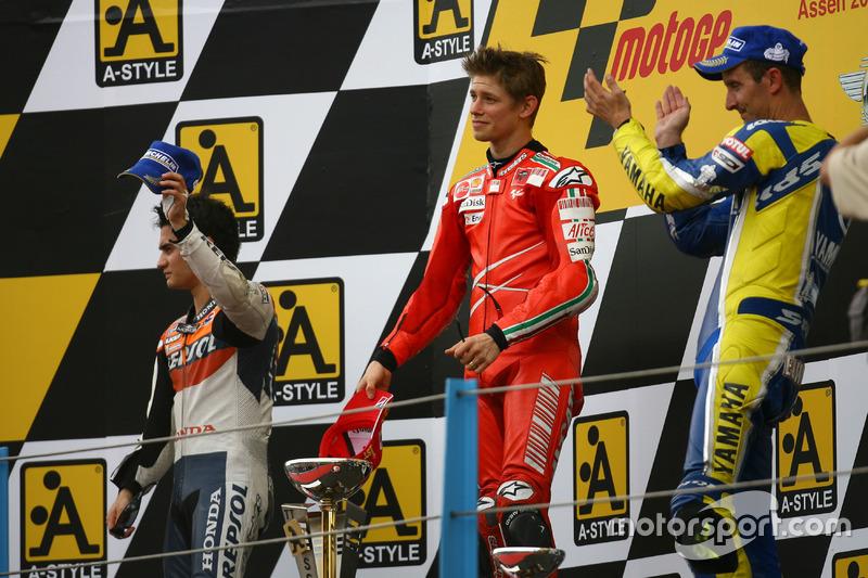 Podio: 1º Casey Stoner, 2º Dani Pedrosa, 3º Colin Edwards