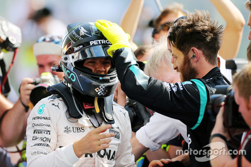 Race winner Nico Rosberg , Mercedes AMG F1 celebrates in parc ferme