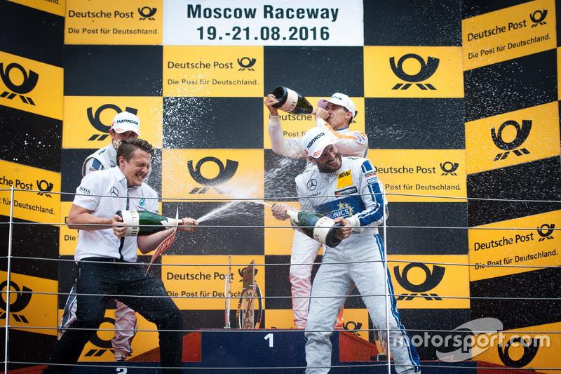 Podio: Gary Paffett, Mercedes-AMG Team ART, Mercedes-AMG C63 DTM; Robert Wickens, Mercedes-AMG Team HWA, Mercedes-AMG C63 DTM