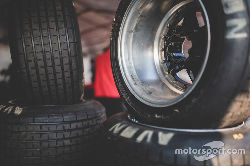 Detalles de neumáticos
