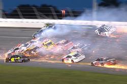 Huge crash on lap 54