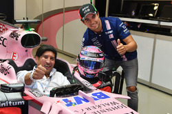 Sergio Perez, Sahara Force India VJM10 and Ivan Zamorano, Football Player