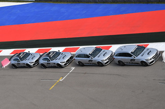 Safety Car and Medical Car line up