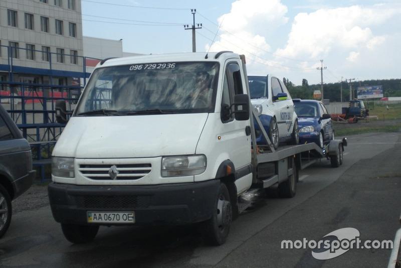 """На тести приїхали машини команди """"Київ-Південь"""""""