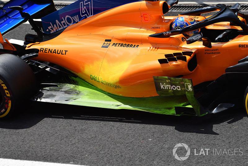Sidepod y piso con pintura en el McLaren MCL33