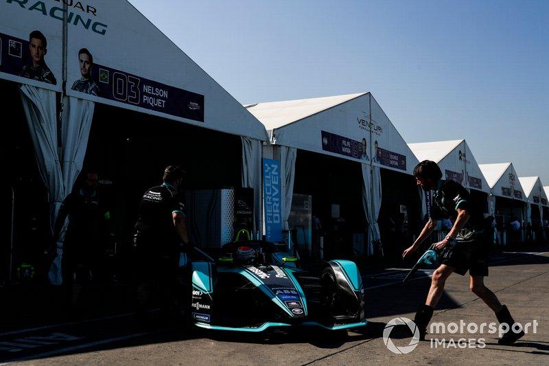 Nelson Piquet Jr., Jaguar Racing, Jaguar I-Type 3 in pit lane